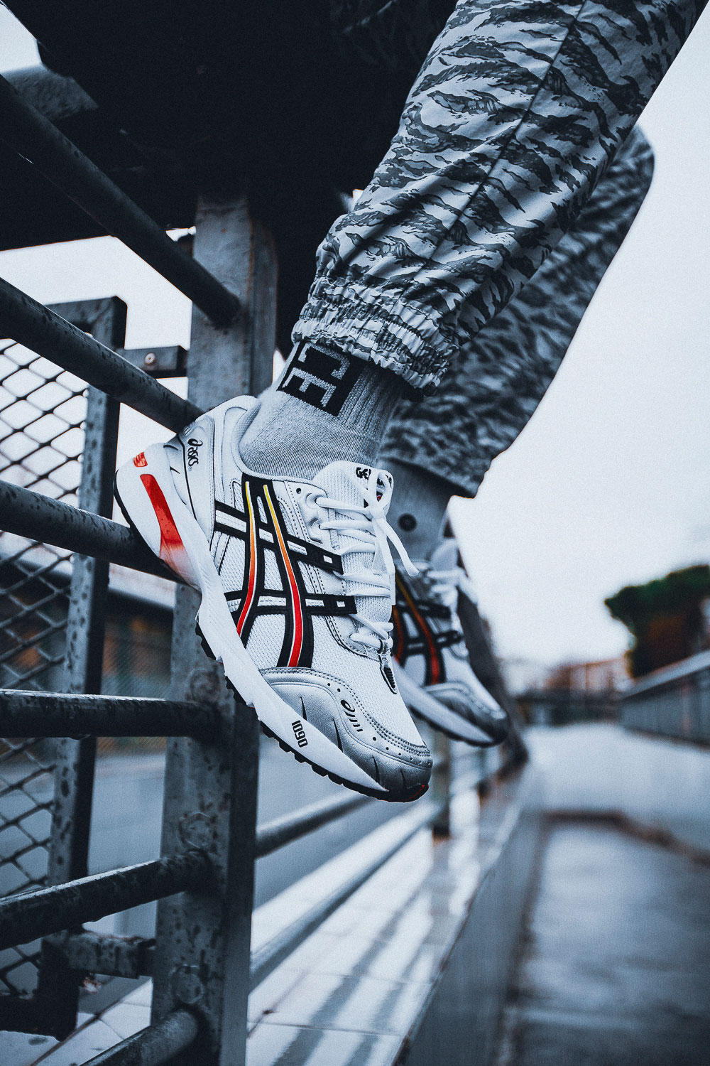 "ASICS GEL-1090 ""WHITE-BLACK"""